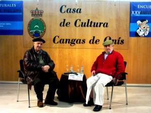 Antón Saavedra y Borja Márquez en la entrevista sobre el VILLAMOCHO, en la Casa de la Cultura de Cangas de Onís, el 12 de febrero de 2016